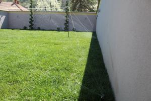 Smaragd travnik uređenje dvorišta zenica 17