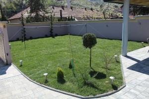 Smaragd travnik uređenje dvorišta zenica 20