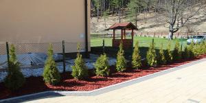 Trnovo vrt smaragd travnik 9